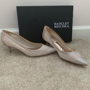 NWT Badgley Mischka Emi bridal kitten heels